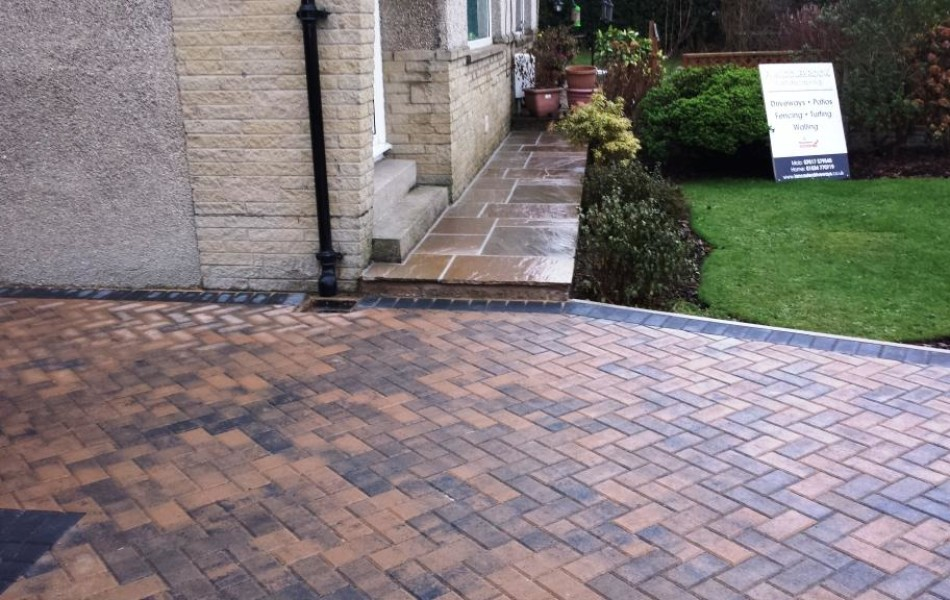 Driveway at Hawthorne Ave Brookhouse Lancaster 8